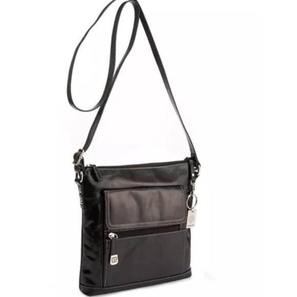 Giani Bernini Handbags - Giani Bernini Florentine Leather Venice Crossbody